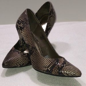 Mossimo stiletto heels pump snakeskin shoes